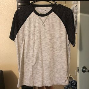 American Eagle two tone t shirt